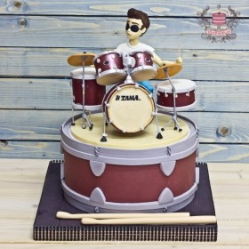 Торт с барабанщиком