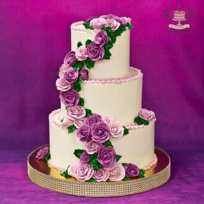 Свадебный торт без мастики с розами