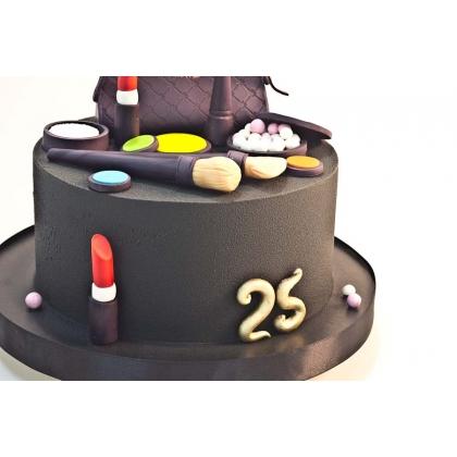 Торт с шоколадным велюром