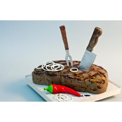 Торт в виде стейка