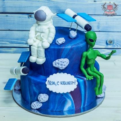 Торт с инопланетянином