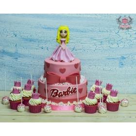 Торт с барби и сладостями