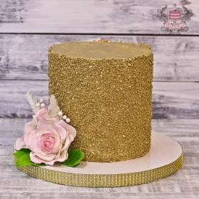 Торт на день рождения с золотом