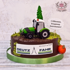 Торт с трактором корпоративный