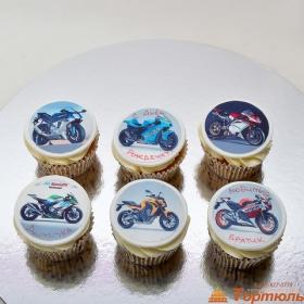 Капкейки с мотоциклами