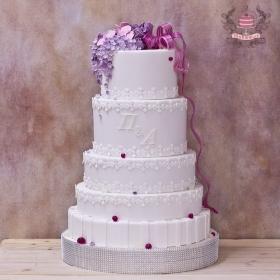 Большой свадебный торт