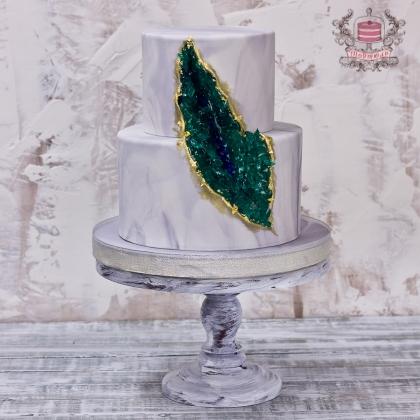Свадебный торт с кристаллами